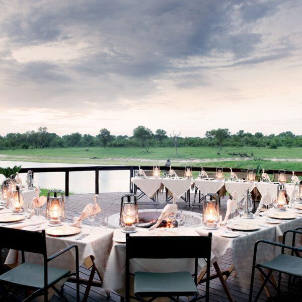 iincnetive-Arathusa-Safari-Lodge-outside-dinner